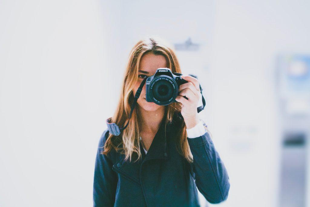 不倫の証拠写真の撮り方について
