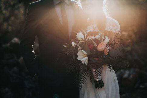 【夢占い】結婚する夢が意味すること