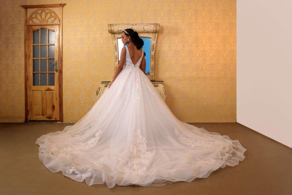 ウェディングドレスの夢が暗示すること